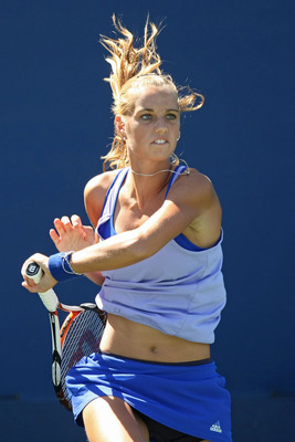 NEW YORK - SEPTEMBER 01:  Arantxa Rus of the Netherlands serves against Sara Errani of Italy during day two of the 2009 U.S. Open at the USTA Billie Jean King National Tennis Center on September 1, 2009 in Flushing neighborhood of the Queens borough of Ne