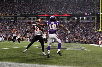 MINNEAPOLIS, MN - DECEMBER 13:  Sidney Rice #18 of the Minnesota Vikings can not hold onto a pass in the endzone as he is defended by Johnathan Joseph #22 of the Cincinnati Bengals on December 13, 2009 at Hubert H. Humphrey Metrodome in Minneapolis, Minne