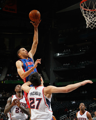 Tayshaun Prince attacking the rim against the Atlanta Hawks.