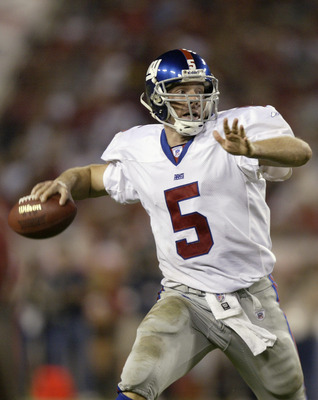 TAMPA, FL - NOVEMBER 24:  Kerry Collins #5 of the New York Giants passes against the Tampa Bay Buccaneers on November 24, 2003 at Raymond James Stadium in Tampa, Florida.  The Buccaneers defeated the Giants 19-13.  (Photo by Matthew Stockman/Getty Images)