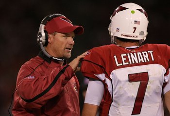 SAN FRANCISCO - SEPTEMBER 10:  Head coach Ken Whisenhunt talks to Matt Leinart #7 of the Arizona Cardinals passes during the NFL game against the San Francisco 49ers on September 10, 2007 at Monster Park in San Francisco, California.  The 49ers won 20-17.