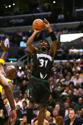 LOS ANGELES - MARCH 15: Ricky Davis #31 of the Minnesota Timberwolves shoots against the Los Angeles Lakers during the game at the Staples Center on March 15, 2006 in Los Angeles, California. The Lakers won 92-89.  NOTE TO USER: User expressly acknowledge
