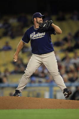 LOS ANGELES, CA - SEPTEMBER 22:  Heath Bell #21 of the San Diego Padres pitches against the Los Angeles Dodgers at Dodger Stadium on September 22, 2010 in Los Angeles, California. The Padres defeated the Dodgers 3-1.  (Photo by Jeff Gross/Getty Images)
