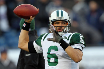 FOXBORO, MA - JANUARY 16:  Mark Sanchez #6 of the New York Jets warms up prior to their 2011 AFC divisional playoff game against the New England Patriots at Gillette Stadium on January 16, 2011 in Foxboro, Massachusetts.  (Photo by Jim Rogash/Getty Images