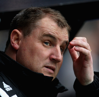 DERBY, UNITED KINGDOM - MARCH 29:  Paul Jewell of Derby looks on during the Barclays Premier League match between Derby County and Fulham at Pride Park on March 29, 2008 in Derby, England.  (Photo by Laurence Griffiths/Getty Images)