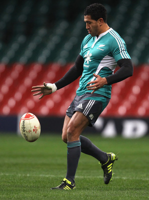 CARDIFF, WALES - NOVEMBER 26: Mils Muliaina of the All Blacks practices a kick during the New Zealand All Blacks Captains Run at Millennium Stadium on November 26, 2010 in Cardiff, Wales.  (Photo by Phil Walter/Getty Images)
