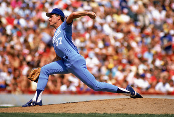 1988:  Charlie Leibrandt #37 of the Kansas City Royals pitches during a MLB game in the 1988 season. (Photo by: Jonathan Daniel/Getty Images)