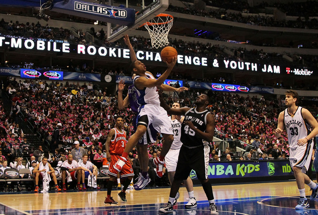 DALLAS - FEBRUARY 12:  Eric Gordon #10 of the Sophomore team shoots against DeJuan Blair #45 of the Rookie team during the first half of the T-Mobile Rookie Challenge & Youth Jam part of 2010 NBA All-Star Weekend at American Airlines Center on February 12