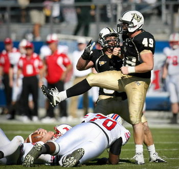 Knights DE Bruce Miller will look to again unload on his opponents in 2011