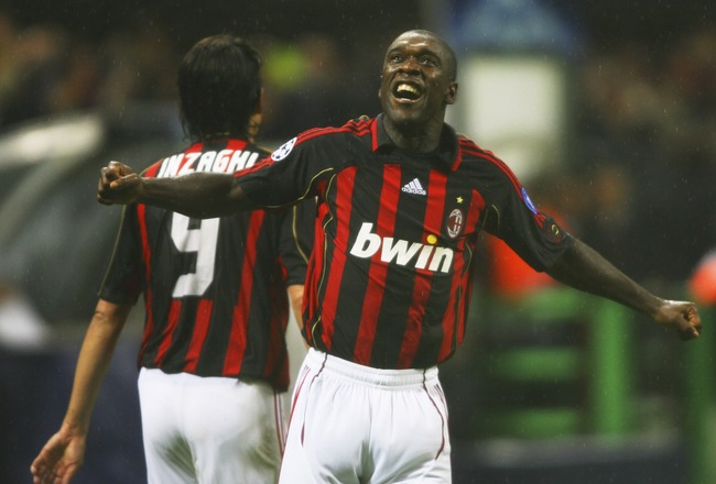 MILAN, ITALY - MAY 02:  Clarence Seedorf of AC Milan celebrates scoring the second goal during the UEFA Champions League semi final, second leg match between AC Milan and Manchester United at the San Siro stadium on May 2, 2007 in Milan, Italy.  (Photo by