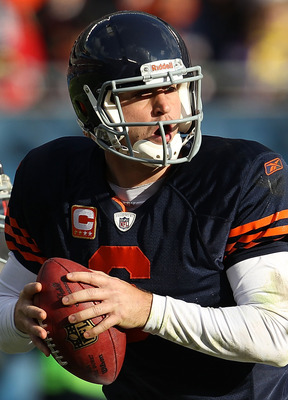 CHICAGO - NOVEMBER 14: Jay Cutler #6 of the Chicago Bears drops back to look for a receiver against the Minnesota Vikings at Soldier Field on November 14, 2010 in Chicago, Illinois. The Bears defeated the Vikings 27-13. (Photo by Jonathan Daniel/Getty Ima