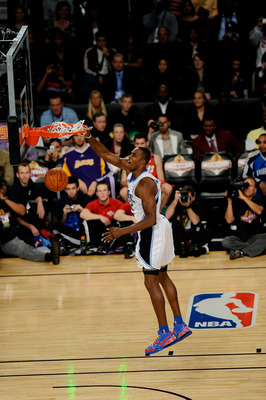 PHOENIX - FEBRUARY 14:  Dwight Howard of the Orlando Magic participates in the Sprite Slam Dunk Contest on All-Star Saturday Night, part of 2009 NBA All-Star Weekend at US Airways Center on February 14, 2009 in Phoenix, Arizona.  NOTE TO USER: User expres