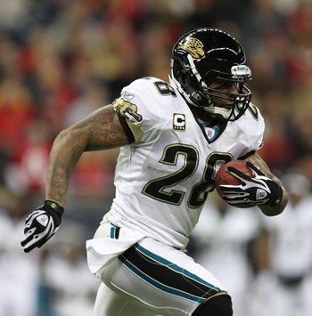 HOUSTON - DECEMBER 01:  Running back Fred Taylor #28 of the Jacksonville Jaguars during play against the Houston Texans at Reliant Stadium on December 1, 2008 in Houston, Texas.  (Photo by Ronald Martinez/Getty Images)