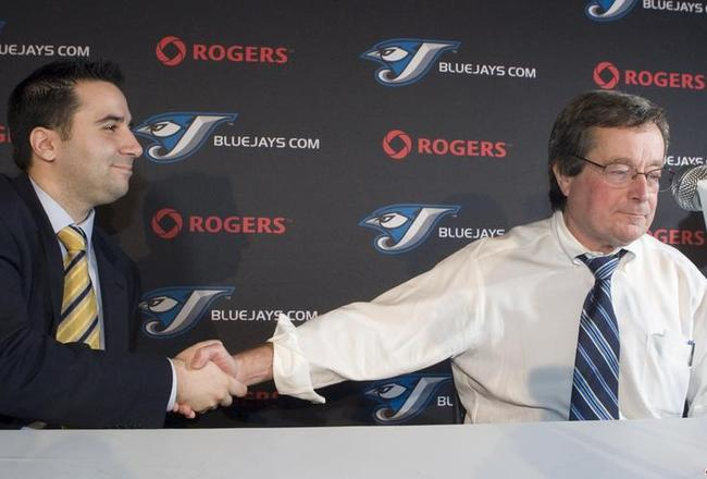 Alex-anthopoulos-paul-beeston-2009-12-16-21-41-50_crop_650x440
