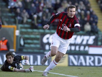 SIENA, ITALY - JANUARY 22:  Andriy Shevchenko celebrates scoring a goal during the Serie A match between Siena and AC Milan at the Stadio Artemio Franchi on January 22, 2006 in Siena, Italy.  (Photo by New Press/Getty Images)