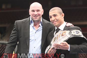 Jose-aldo-ufc-123-belt-018w_display_image