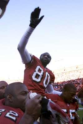 17 Dec 2000:  Jerry Rice #80 of the San Francisco 49ers is carried off the field after the Chicago Bears game at 3Comm Park in San Francisco, California. San Francisco won 17-0. DIGITAL IMAGE. Mandatory Credit: Jed Jacobsohn/ALLSPORT