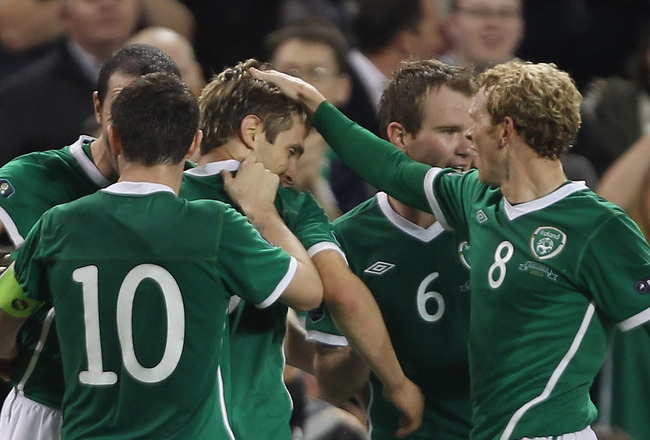 DUBLIN, IRELAND - SEPTEMBER 07:  Kevin Doyle of Republic of Ireland celebrates scoring the 2nd goal during the UEFA EURO 2012 Group B Qualifier between Republic of Ireland and Andorra at the Aviva Stadium on September 7, 2010 in Dublin, Ireland.  (Photo b