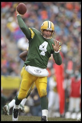 26 Nov 1995:  Quarterback Brett Favre of the Green Bay Packers throws a pass during a game against the Tampa Bay Buccaneers at Lambeau Field in Green Bay, Wisconsin.  The Packers won the game 35-13.  Mandatory Credit: Todd Rosenberg  /Allsport