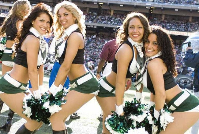 100709-jets-cheerleaders_crop_650x440