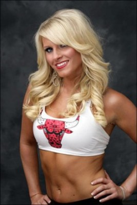 Chicago-bulls-cheerleader-240x360_display_image