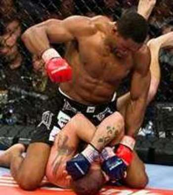 Herschel Walker executing lethal ground and pound