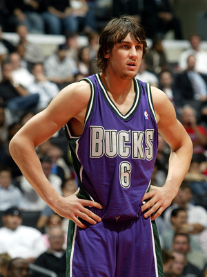 LOS ANGELES - NOVEMBER 15:  Andrew Bogut #6 of the Milwaukee Bucks stands on the court in the second half of the game against the Los Angeles Clippers on November 15, 2005 at Staples Center in Los Angeles, California. NOTE TO USER: User expressly acknowle