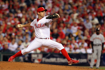 PHILADELPHIA - OCTOBER 23:  Roy Oswalt #44 of the Philadelphia Phillies pitches against the San Francisco Giants in Game Six of the NLCS during the 2010 MLB Playoffs at Citizens Bank Park on October 23, 2010 in Philadelphia, Pennsylvania.  (Photo by Al Be