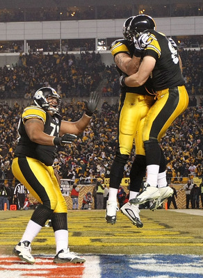 PITTSBURGH, PA - JANUARY 15: Tight end Heath Miller #83 of the Pittsburgh Steelers celebrates with teammates after a touchdown against the Baltimore Ravens in the third quarter of the AFC Divisional Playoff Game at Heinz Field on January 15, 2011 in Pitts