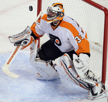 BOSTON, MA - JANUARY 13:  Brian Boucher #33 of the Philadelphia Flyers stops a shot in the first period by the Boston Bruins on January 11, 2011 at the TD Garden in Boston, Massachusetts.  (Photo by Elsa/Getty Images)