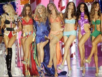 Victorias_secret_fashion_show_display_image