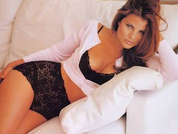 Yasmine-bleeth-1_display_image