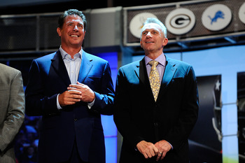 NEW YORK - APRIL 22:  (L-R) Hall of Fame quarterbacks Dan Marino and Joe Montana attend the 2010 NFL Draft at Radio City Music Hall on April 22, 2010 in New York City.  (Photo by Jeff Zelevansky/Getty Images)