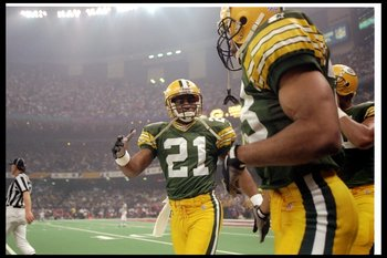 26 Jan 1997: Defensive back Craig Newsome of the Green Bay Packers looks on during Super Bowl XXXI against the New England Patriots at the Superdome in New Orleans, Louisiana. The Packers won the game, 35-21.