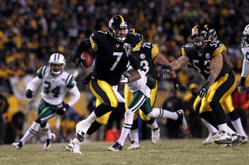 PITTSBURGH, PA - JANUARY 23:  Ben Roethlisberger #7 of the Pittsburgh Steelers rushes for a first down against the New York Jets during the 2011 AFC Championship game at Heinz Field on January 23, 2011 in Pittsburgh, Pennsylvania.  (Photo by Nick Laham/Ge
