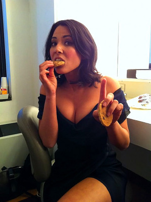 Olivia_munn_twitpic1_display_image