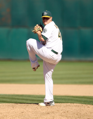 OAKLAND, CA - SEPTEMBER 06:  Andrew Bailey #40 of the Oakland Athletics pitches against the Seattle Mariners at the Oakland-Alameda County Coliseum on September 6, 2010 in Oakland, California.  (Photo by Ezra Shaw/Getty Images)