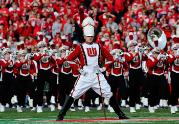 PASADENA, CA - JANUARY 01:  The Wisconsin Badgers marching band performs during the 97th Rose Bowl game against the TCU Horned Frogs on January 1, 2011 in Pasadena, California.  (Photo by Kevork Djansezian/Getty Images)