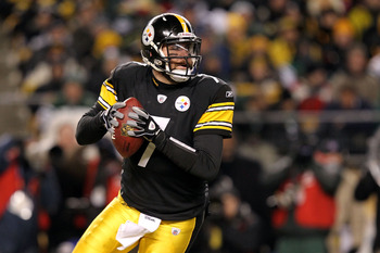 PITTSBURGH, PA - JANUARY 23:  Ben Roethlisberger #7 of the Pittsburgh Steelers drops back against the New York Jets during the 2011 AFC Championship game at Heinz Field on January 23, 2011 in Pittsburgh, Pennsylvania. The Steelers defeated the New York Je
