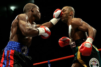 Bradley is the better boxer (vs Junior Witter)