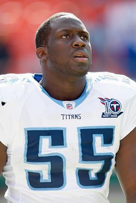 KANSAS CITY - OCTOBER 19:  Stephen Tulloch #55 of the Tennessee Titans warms-up on the field before the game against the Kansas City Chiefs at Arrowhead Stadium on October 19, 2008 in Kansas City, Missouri. (Photo by: Jamie Squire/Getty Images)