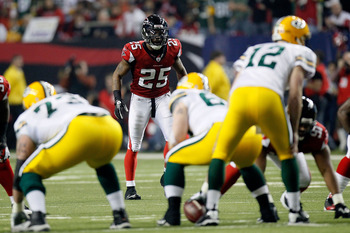 ATLANTA, GA - JANUARY 15:  Safety William Moore #25 of the Atlanta Falcons lines up on defense against the Green Bay Packers during their 2011 NFC divisional playoff game at Georgia Dome on January 15, 2011 in Atlanta, Georgia. The Packers won 48-21. (Pho