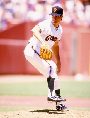 1987:  Pitcher Dave Dravecky of the San Francisco Giants prepares to throw the ball. Mandatory Credit: Allsport  /Allsport
