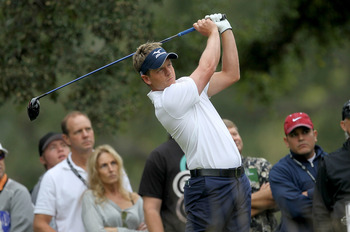 THOUSAND OAKS, CA - DECEMBER 03:  Luke Donald of England hits his tee shot on the second hole during round two of the Chevron World Challenge at Sherwood Country Club on December 3, 2010 in Thousand Oaks, California.  (Photo by Stephen Dunn/Getty Images)