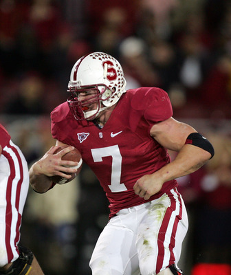 PALO ALTO, CA - NOVEMBER 28:  Toby Gerhart #7 of the Stanford Cardinal runs with the ball during their game against the Notre Dame Fighting Irish at Stanford Stadium on November 28, 2009 in Palo Alto, California.  (Photo by Ezra Shaw/Getty Images)