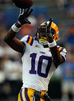 GAINESVILLE, FL - OCTOBER 09:  Russell Shepard #10 of the Louisiana State Tigers catches a pass prior to the game against the Florida Gators at Ben Hill Griffin Stadium on October 9, 2010 in Gainesville, Florida.  (Photo by Sam Greenwood/Getty Images)