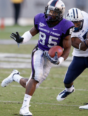 FORT WORTH, TX - OCTOBER 16:  Wide receiver Jeremy Kerley #85 of the TCU Horned Frogs carries the ball against the BYU Cougars at Amon G. Carter Stadium on October 16, 2010 in Fort Worth, Texas.  TCU beat BYU 31-3.  (Photo by Tom Pennington/Getty Images)