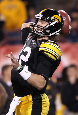 TEMPE, AZ - DECEMBER 28:  Quarterback Ricky Stanzi #12 of the Iowa Hawkeyes throws a pass during the Insight Bowl against the Missouri Tigers at Sun Devil Stadium on December 28, 2010 in Tempe, Arizona.  (Photo by Christian Petersen/Getty Images)