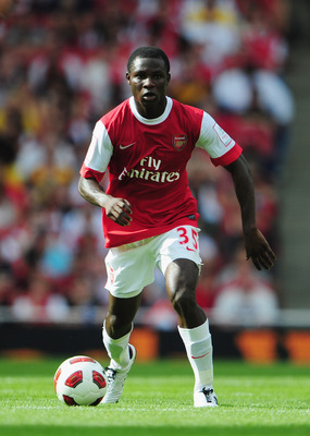 LONDON, ENGLAND - JULY 31:  Emmanuel Frimpong of Arsenal in action during the Emirates Cup match between Arsenal and AC Milan at Emirates Stadium on July 31, 2010 in London, England.  (Photo by Mike Hewitt/Getty Images)