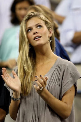 Are-you-smarter-than-brooklyn-decker_display_image